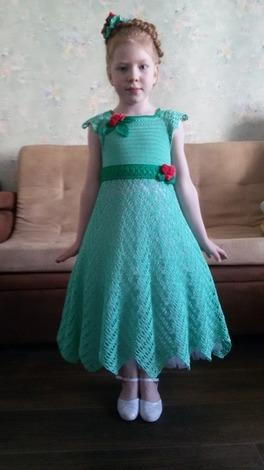 Фото. Вязаное платье для выпускного. Автор работы - GalinaL