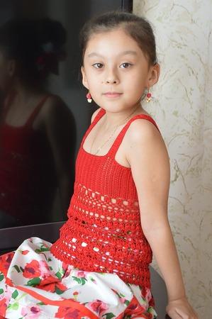 Фото. Летний топ для дочки по схемам Подаковой Таши.  Автор работы - Алилина