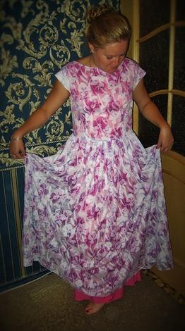 Фото. Платье цветочное. Ткань батист с вытравкой, подклад вискоза. Автор - Иpунчик