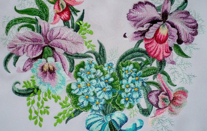 Фото. Вышивка для горловины - королевские орхидеи и незабудки.  Автор работы - ЕленаЮа