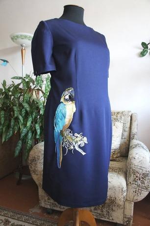 Фото. Новое увлечение в вышивке - птички. Так появилось чудное платье с попугаем.  Автор работы - Triniti13
