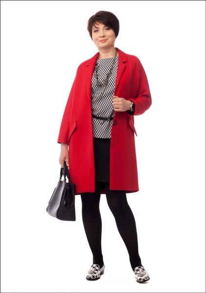 Комплект №3 . Пальто – Zara. Топ, юбка и сумка – Monton. Лоферы и пояс – «Эконика». Часы – «Ника»