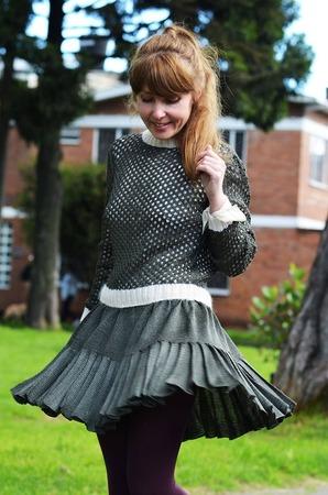 Фото. Юбка и свитер выполнены из 100% шелка.  Автор работы - BelkaV