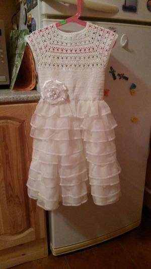 Фото. Нарядное платье из остатков тюля на юбке и вязанного верха. Автор работы - Мария1981