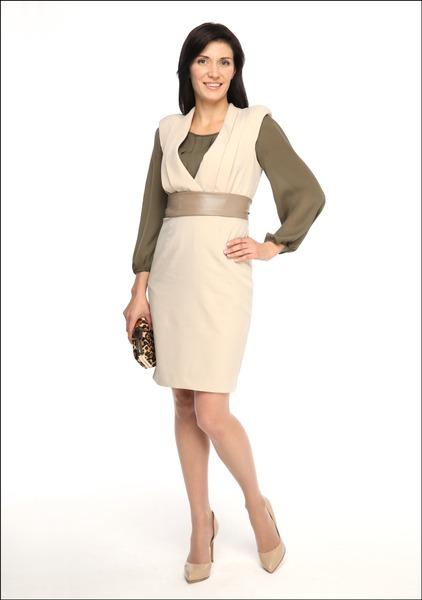 Комплект №3А . Платье и пояс – Casa d'Arte Masha Moreva. Блуза – BGN. Клатч – Mango. Сапоги – «Эконика»