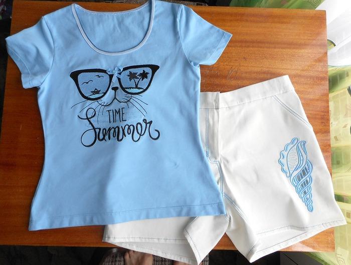 Фото. Летний наряд - шорты и футболка. Автор работы - Светлана Павловна