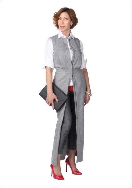 Комплект №1 . Платье-жилет, блуза, серьги и браслеты – Pietro Filipi. Топ и леггинсы – H&M. Туфли – Fermani