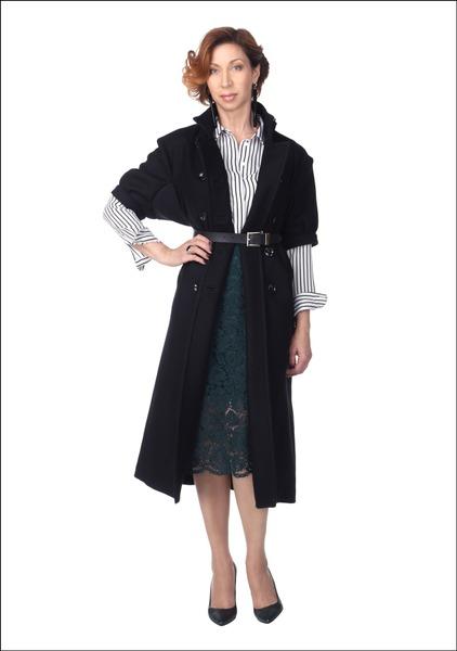 Комплект №3 . Пальто, блуза и юбка – H&M. Туфли – Elche. Ремень – Pietro Filipi. Серьги – Nolo