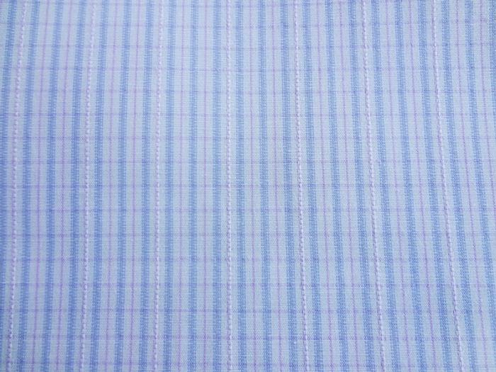 Фото. Классическая сорочечная ткань, плотного плетения. Состав: 63% хлопок, 37% п/э. Фото - Tallina