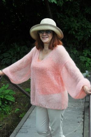 """Фото. Мохеровый свитер """"Розовое облачко"""".  Автор работы - Ла-Ванда"""