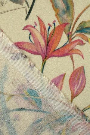 """Фото. Креповые ткани менее прозрачны, чем гладкие аналогичной плотности. Вискоза - креп """"Цветочная карамелька"""", вискоза 100%.  Автор фото - *ФортунА*"""