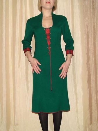Фото. Платье из шерстяного крепа со спущенным плечом. Автор работы - Byachka