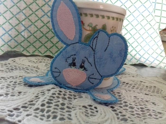 Фото. Машинная вышивка - Очаровашка зайка от Liubov. Автор работы - olga201076