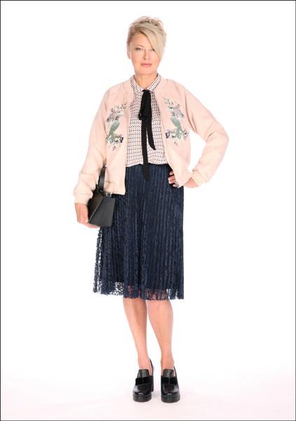 Комплект №3 . Бомбер, блуза и юбка – Mango. Туфли – Nando Muzi
