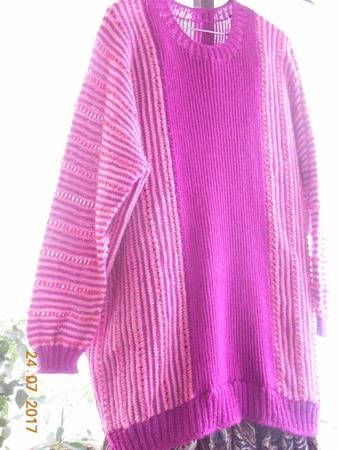 Фото. Пуловер оверсайз East ov West с цельным рукавом спицами с описанием от Joji Locatelli. Автор работы - Galas
