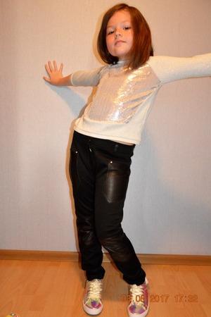Фото. ... и трикотажные брюки.  Автор работы - Oxana1980