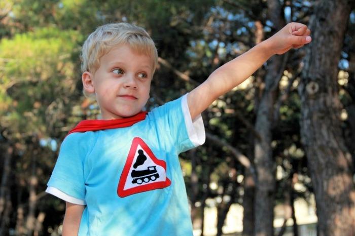 Фото. Аркадий Паровозов спешит на помощь!