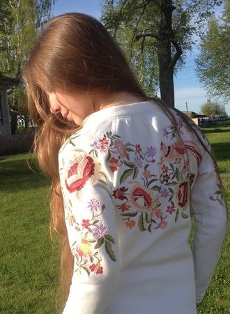 """Фото. Толстовка. Машинная вышивка """"Сказка""""  от  Наташи Шестаковой. Автор работы - AnnaLila"""