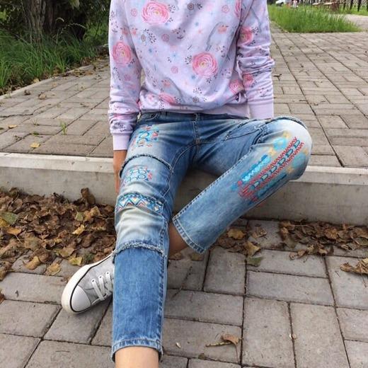 Фото. Машинная вышивка на джинсах. Автор работы - natali2222