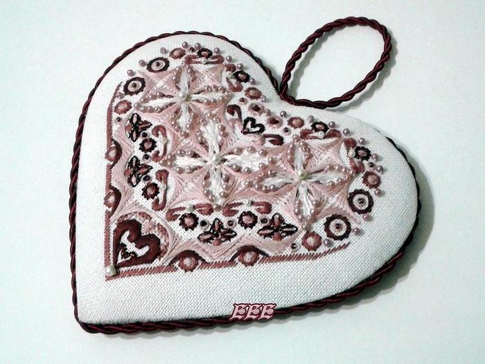 """Фото. """"Сердце"""". Подарок ко дню семьи, любви и верности сердце в шовчиковой технике. Автор работы - (Елена)"""