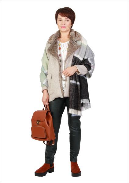 Комплект №3 . Куртка, топ, палантин, брюки, ботинки и рюкзак – Mango