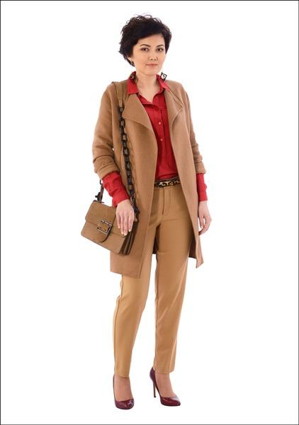 Комплект №2 . Пальто, блуза, брюки, туфли, сумка и серьги – Mango