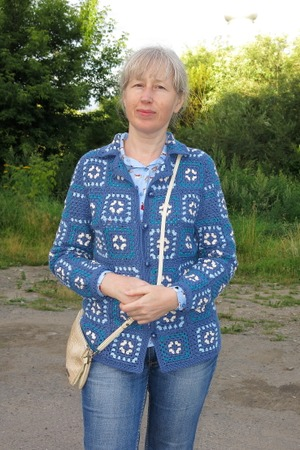 Фото. Жакет-кардиган на основе бабушкиного квадрата.    Автор работы - Верунька