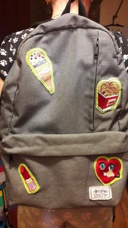 Фото. Дочке обновили скучный рюкзак. Машинная вышивка.  Автор работы - Svetlana xmao