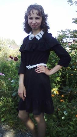 Фото. Дочка перешла в 9 класс. Платье на 1 сентября. Автор работы - Слобожанка