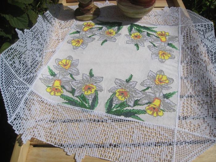 Фото. Салфеточка. Машинная вышивка. Ткань лен. Автор работы - Roza01