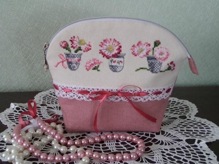 Фото. Косметички с вышивкой в подарок. Автор работы - bonika.