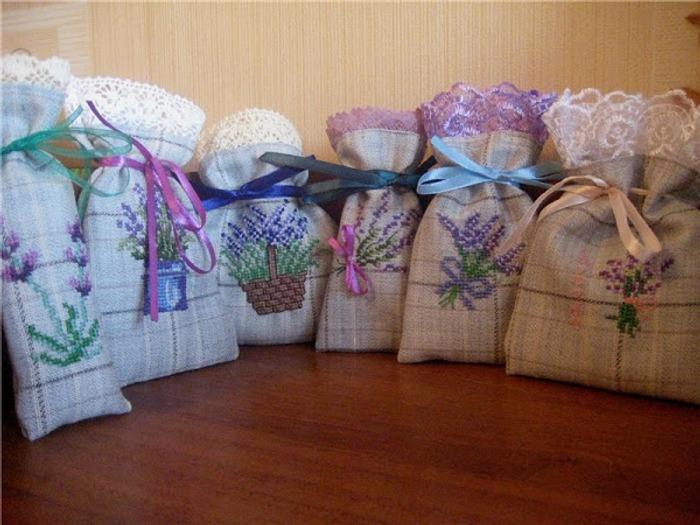 Фото. Вышитые мешочки-саше с лавандой. Автор работы - Kytenokz
