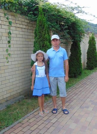 Фото. Для мужа и дочки - рубашка-поло и платье.