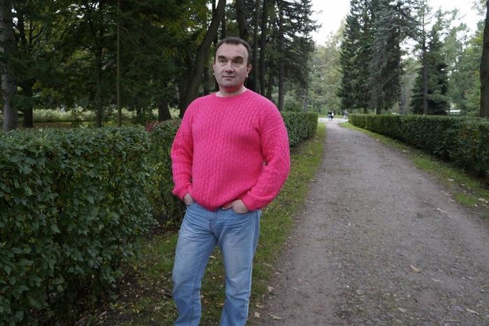 Фото. Брутальная розовая кофточка для мужа.  Автор работы - Red Oks
