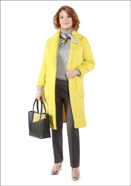 Комплект №1 . Пальто, джемпер и брюки – Mango. Туфли и сумка – Carlo Pazolini. Шейный платок – Parfois