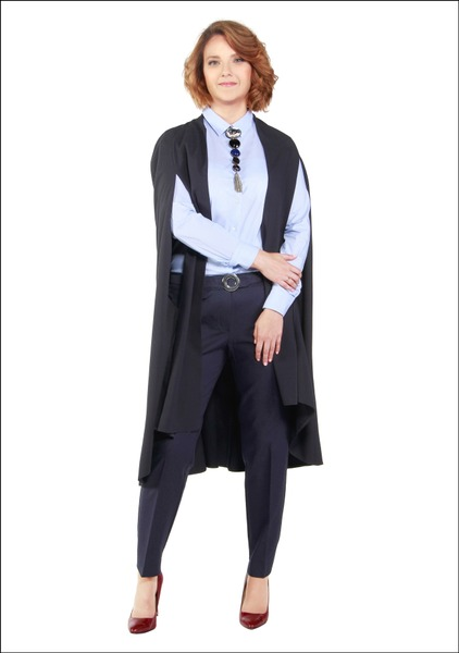 Комплект №4 . Кейп – Show-room Looks. Блуза, брюки, пояс и туфли – Mango