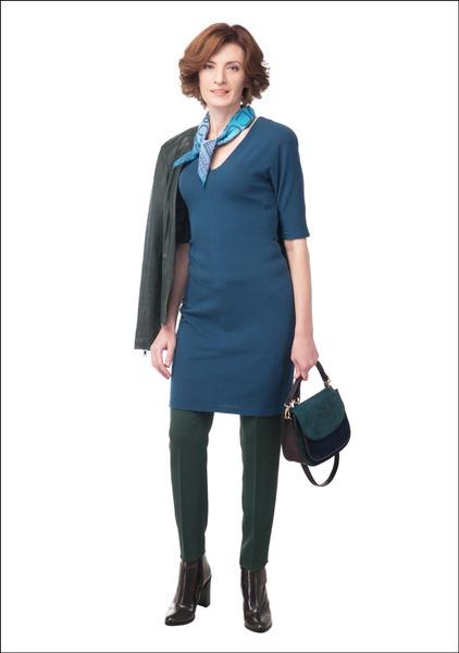 Комплект №2 . Платье – 2.55 Showroom. Брюки – Penny Black. Куртка – «Снежная королева». Ботильоны и сумка – «Эконика»
