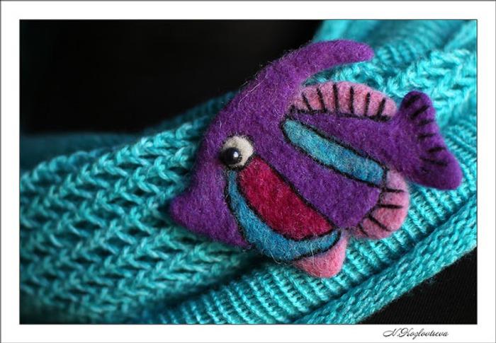 Фото. Войлочная брошка - рыбка. Автор работы - NK