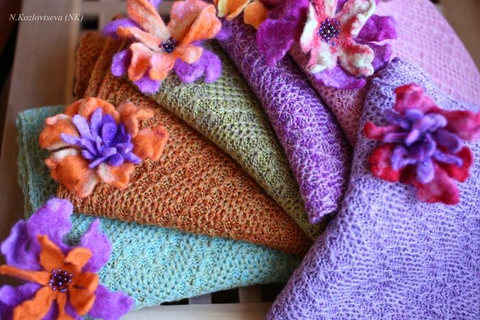 Фото. Осинка - уникальный источник и творческий вдохновитель. Шарфы прессом + валяные цветы.