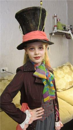 Фото. Костюм Безумного Шляпника из Алисы в стране чудес. Автор работы - Диана М