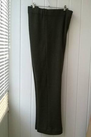 Фото. Классические брюки прямого покроя, пряжа - меринос.  Автор работы - Stavros2011