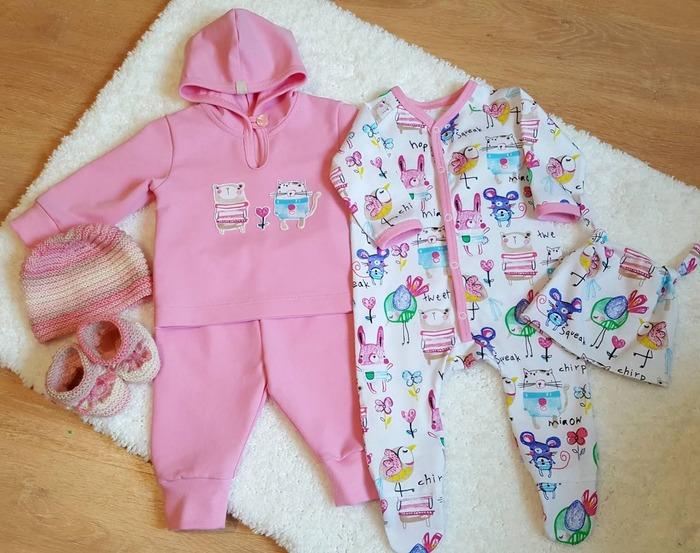 Фото. Розовый комплект для малышки. Толстовка и штанишки из футера. Автор работы - Sjuna