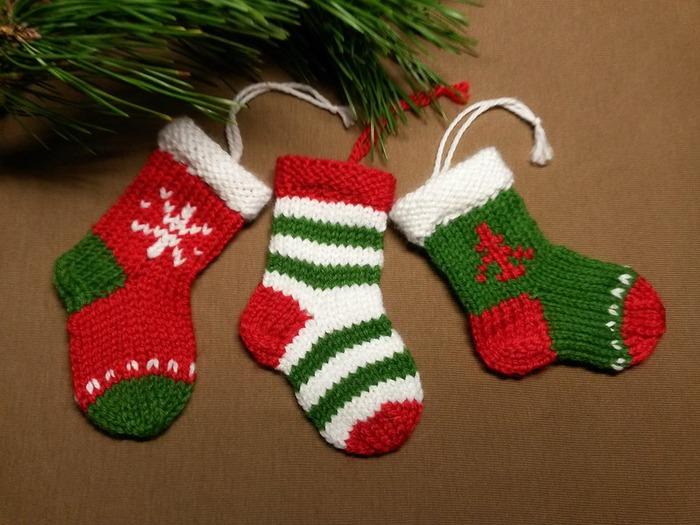 Фото. Рождественские носки - упаковка  для мини-подарков. Автор работы - Рыжая_кошка