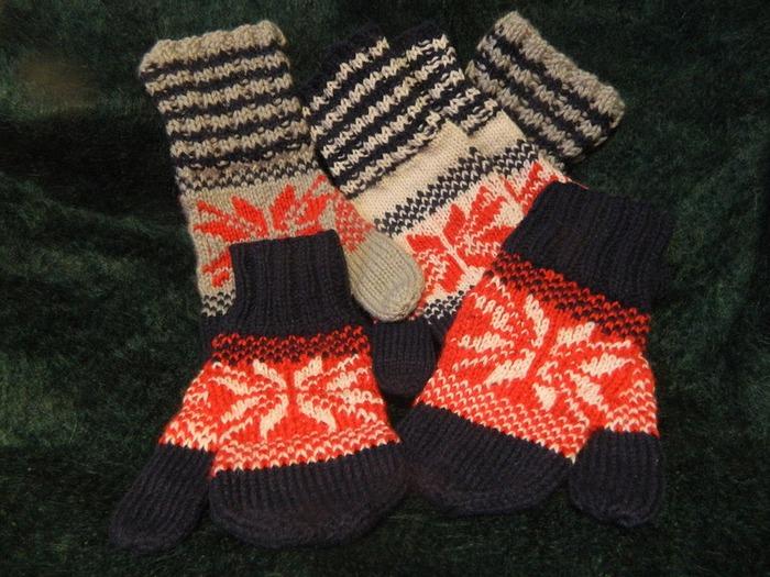 Фото. Варежки со снежинкой - к Новому году.  Автор работы - kleminas
