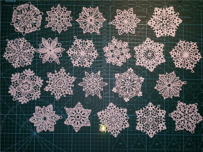 Фото. Снежинки, машинная вышивка. Автор работы - *Наталия*