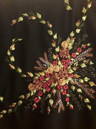 Фото. Шаль. Вышивка атл лентами на костюмной ткани. Автор работы - svetaDi