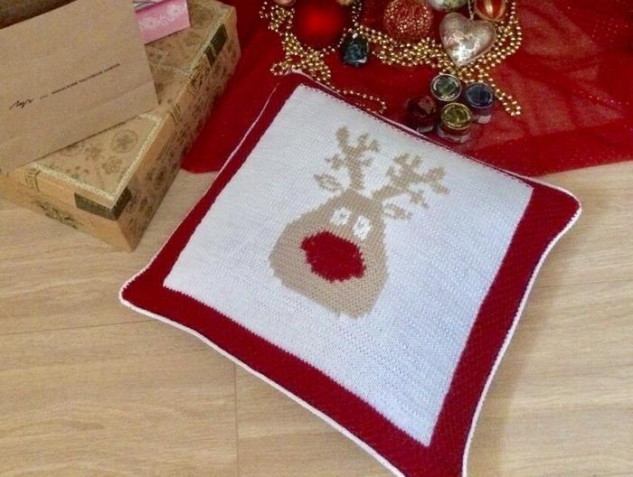 Фото. Новогодняя подушка.  Автор  работы - Ларачка