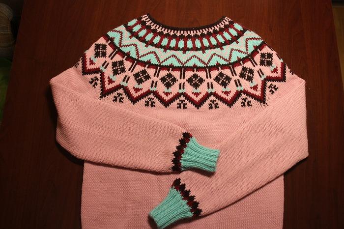 Фото. Просто розовый джемпер.  Автор  работы - tatmalitskaya