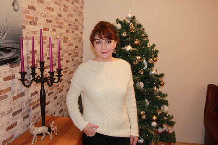 Фото. Когда к Рождеству захотелось связать, что то белое, пушистое и уютное.  Автор  работы - Michele