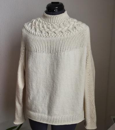Фото. Bright Sweater by Junko Okamoto.  Автор работы - Kir